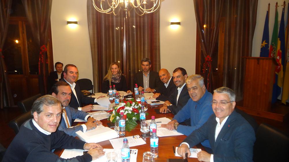 Assembleia Intermunicipal da AMRAM reuniu ontem em Porto Moniz