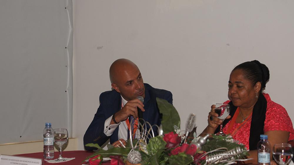 """Presidente da AMRAM participa na Conferência Internacional """"Erupção do Vulcão do Fogo 2014-2015"""", em Cabo Verde"""